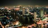 Bangkok I Nightlight über dem Chao Phraya